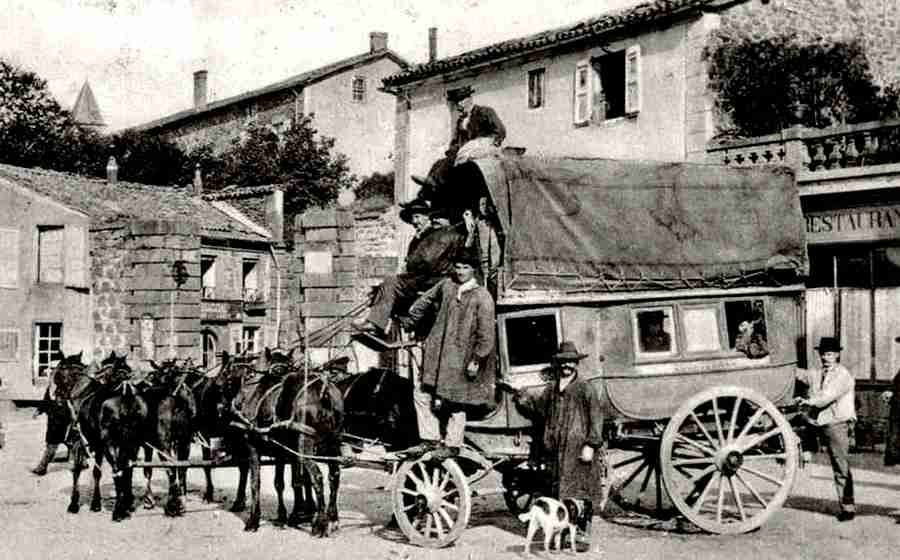 Cantal, St-Flour, le courrier de Chaudesaigues