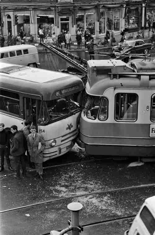 les accidents d 39 automobiles photos anciennes et d 39 autrefois photographies d 39 poque en noir et bla. Black Bedroom Furniture Sets. Home Design Ideas
