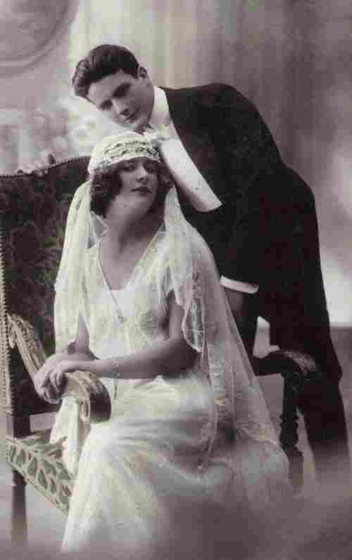 couples photos anciennes et d 39 autrefois photographies d 39 poque en noir et blanc. Black Bedroom Furniture Sets. Home Design Ideas