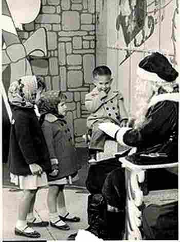 Le Pere Noel 1950s Photos Anciennes Et Photographies D