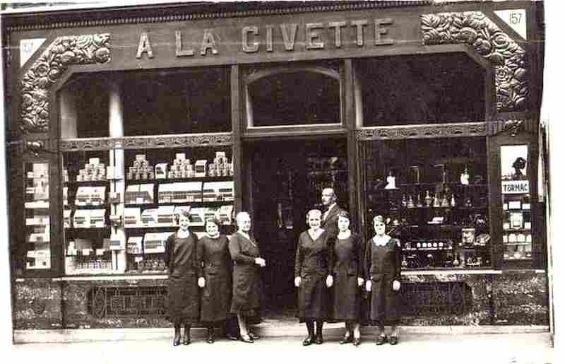 Le plus vieux bureau de tabac parisien photos anciennes et